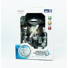 Робот в коробке стреляет дисками