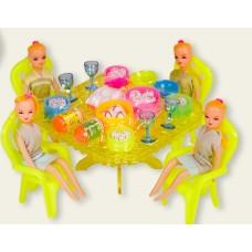 Мебель с куклами под слюдой